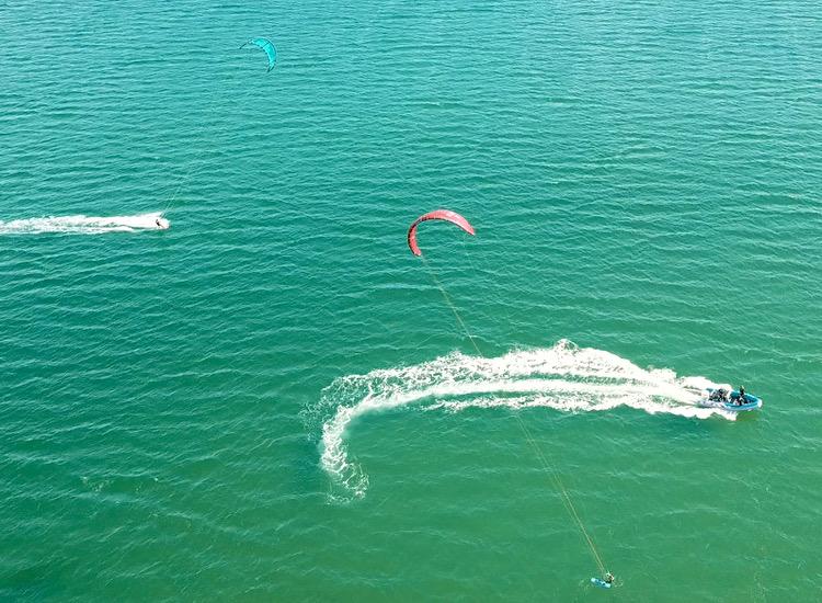 cours kitesurf baie de quiberon bateau