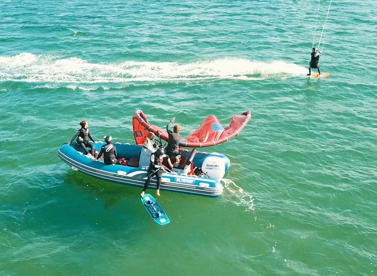 cours kitesurf bateau